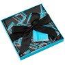 Pudełko na prezent czarne z błękitnym wzorem M+ 3